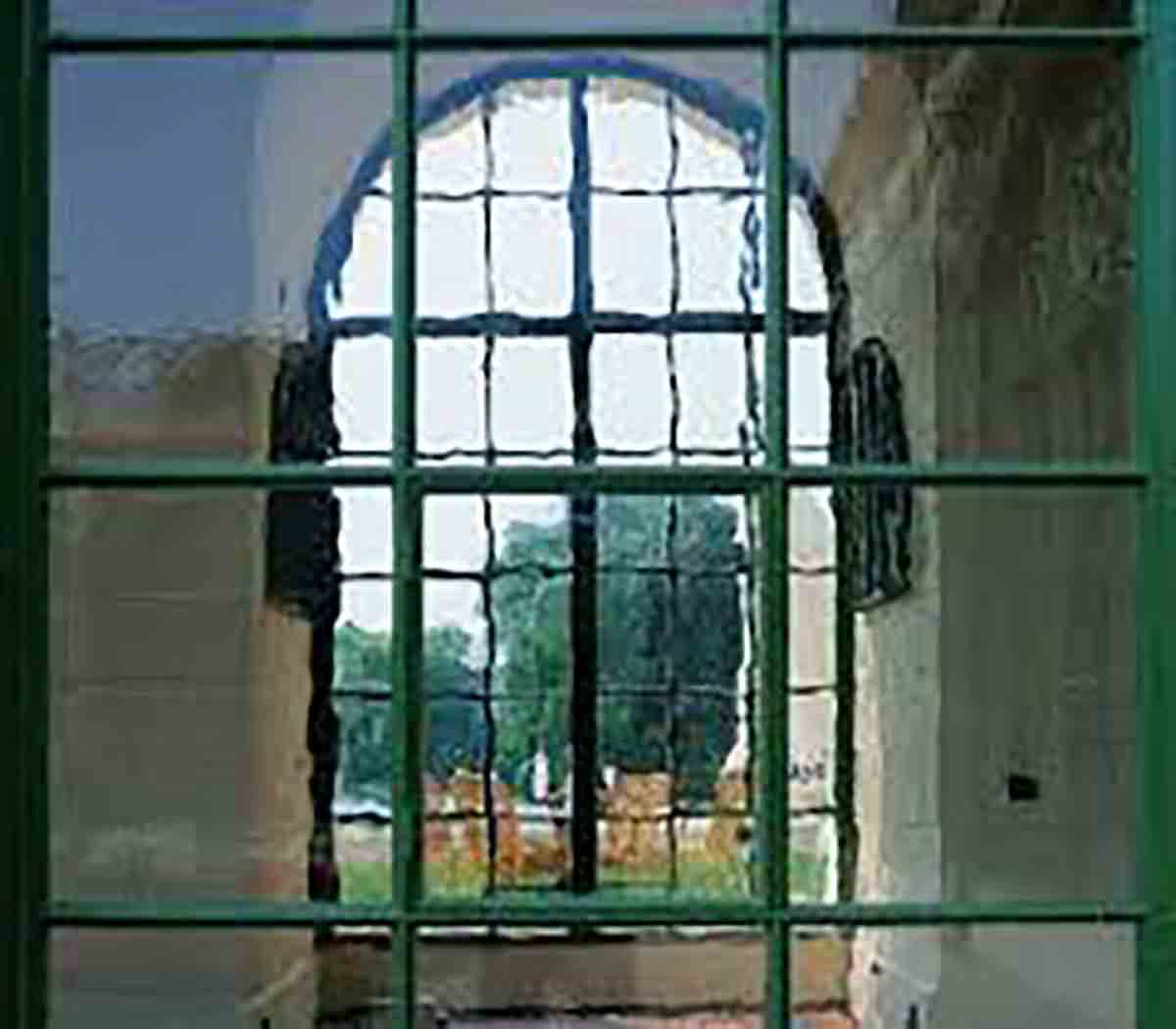 minnesota-restoration-glass-gaytee-palmer-stained-glass-specialty-window-repair